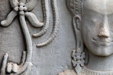 Apsara Tänzerin mit Lotus Blume in Angkor Wat