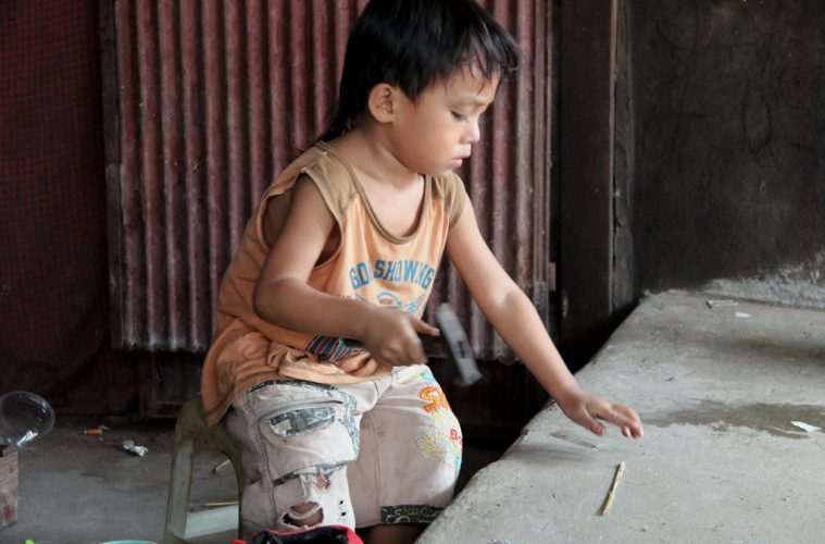 Was Kinder in Kambodscha spielen