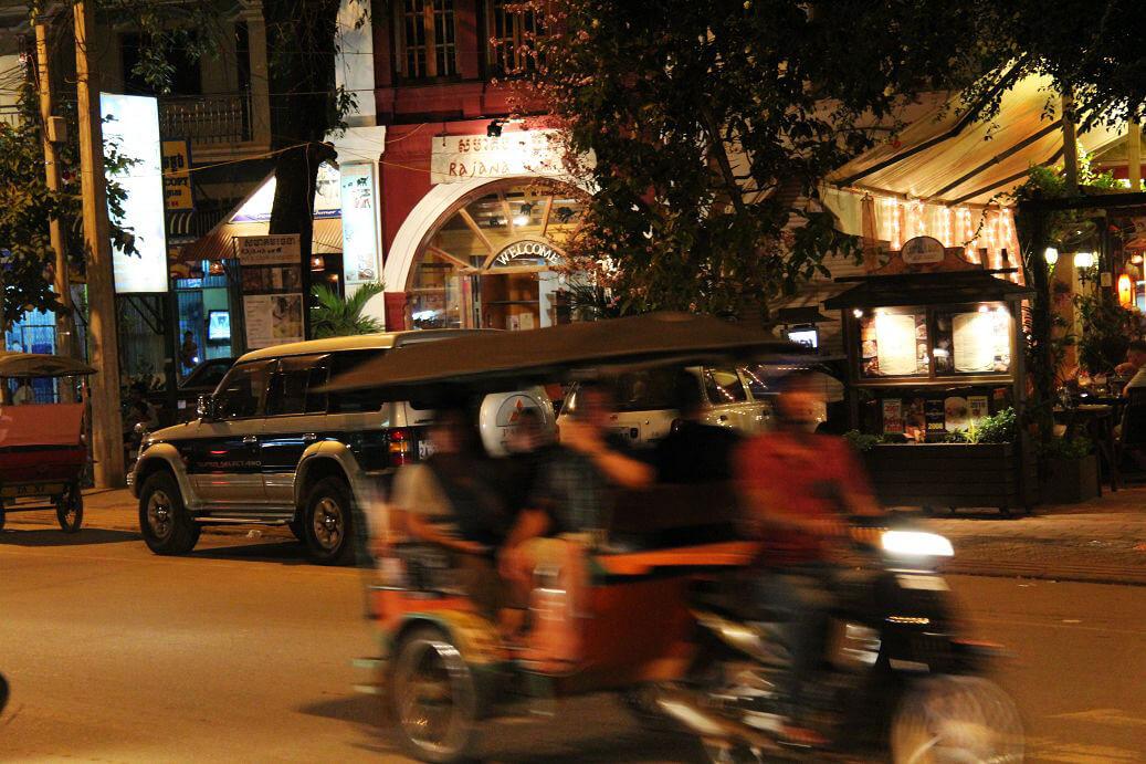 Auf der Sivatha Road in Siem Reap