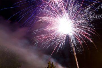 Feuerwerk: Credit - Mardy Suong