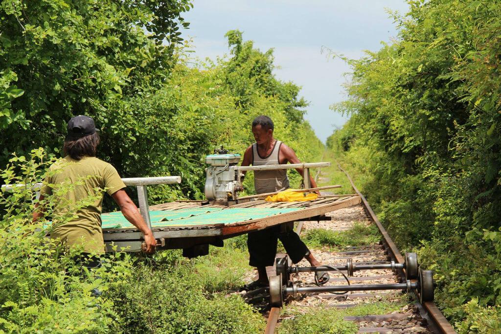 Doku: Mit der Bambusbahn durch Kambodscha