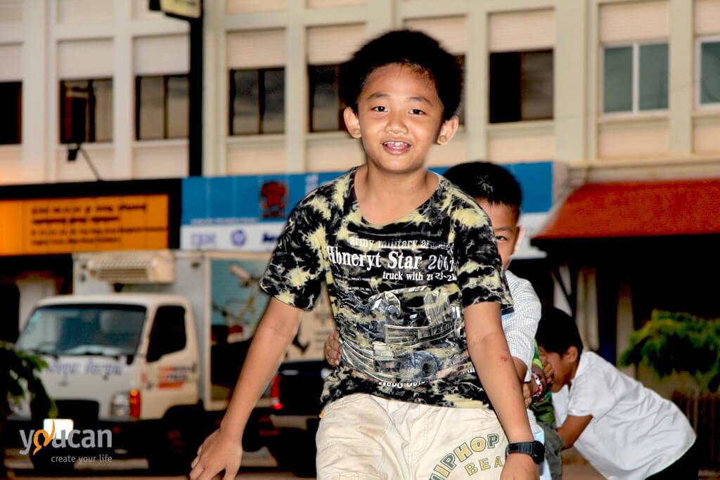 rollerblades-boy-cambodia
