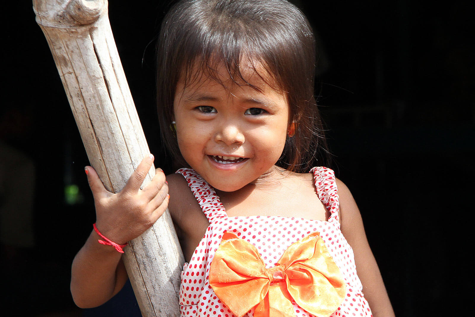 smile-cambodia-child-angkor