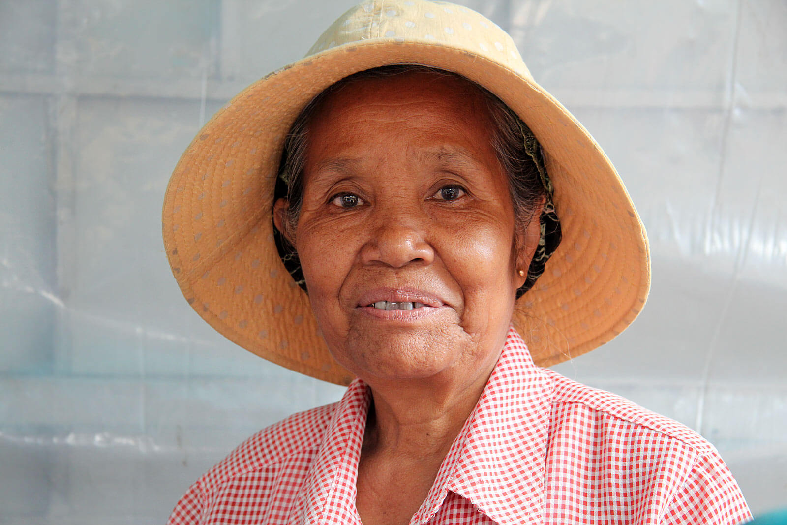 smile-cambodia-pshar-leu-market