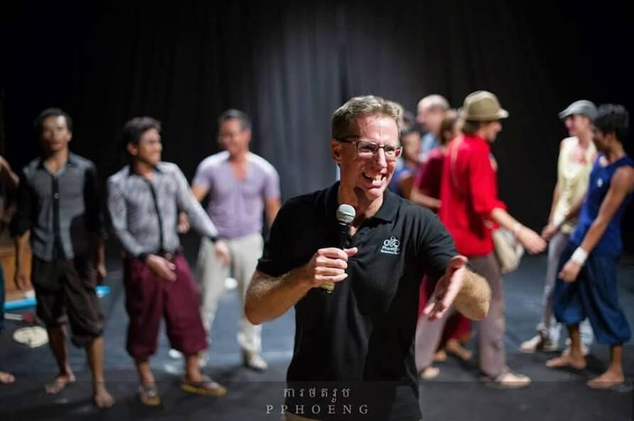 Craig Dodge, Marketing, Vertrieb bei Phare, der kambodschanische Zirkus