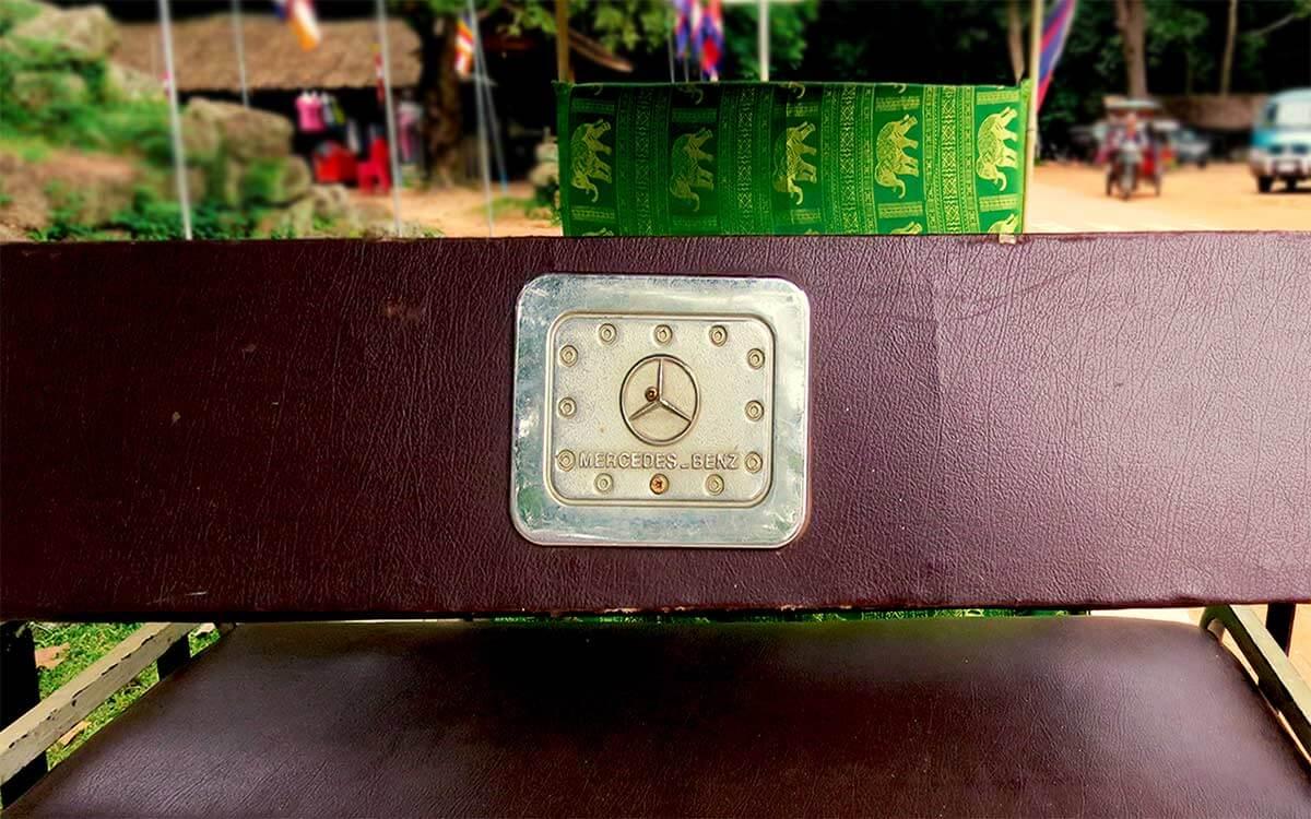 Tuk Tuk in Siem Reap mit Mercedes Benz Schild