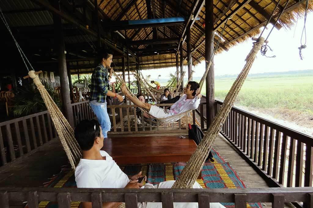 Unsere Gruppe im Hängematten-Restaurant in Siem Reap