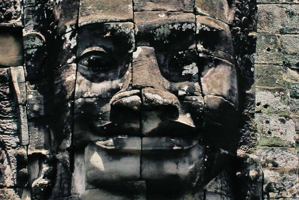 bayon-four-smiling-faces-lokeshvara