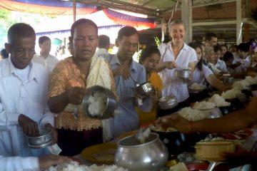 Reis als Opfergabe zu Pchum Ben in Kambodscha
