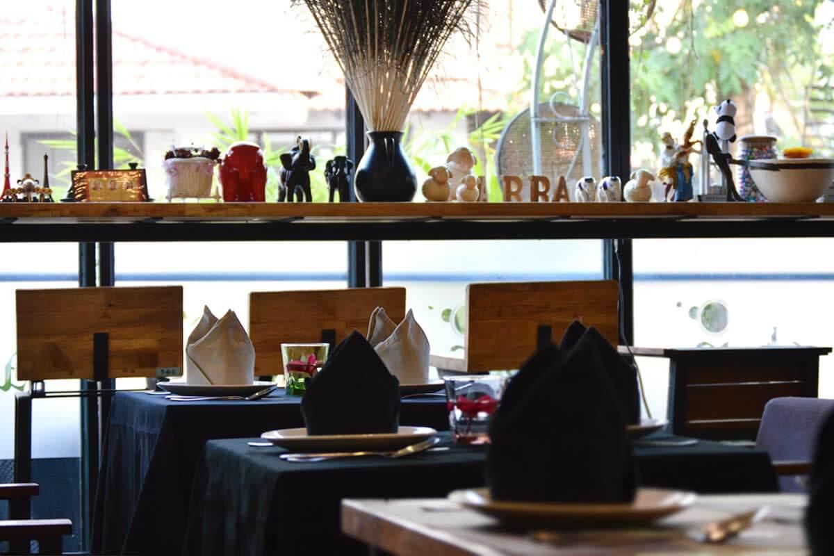 ABBA Cafe & Lounge Restaurant, Siem Reap - Blick aus dem Fenster