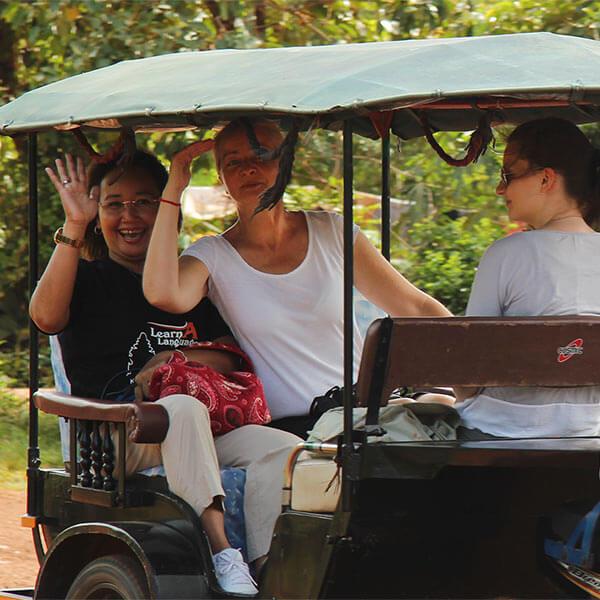 Tuk Tuk Fahren in Siem Reap, Hening, Inga + Sabrina