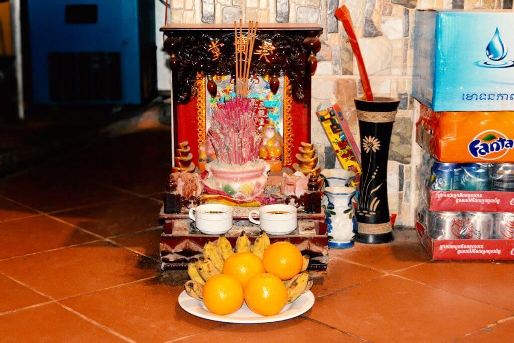 Buddhistischer Schrein im Meng Cafe, Siem Reap
