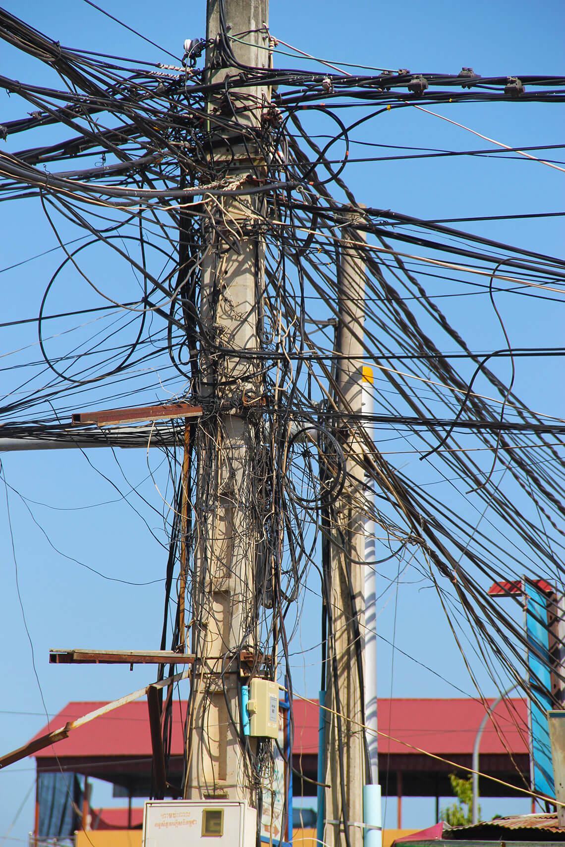 Stromleitungen-Siem-Reap