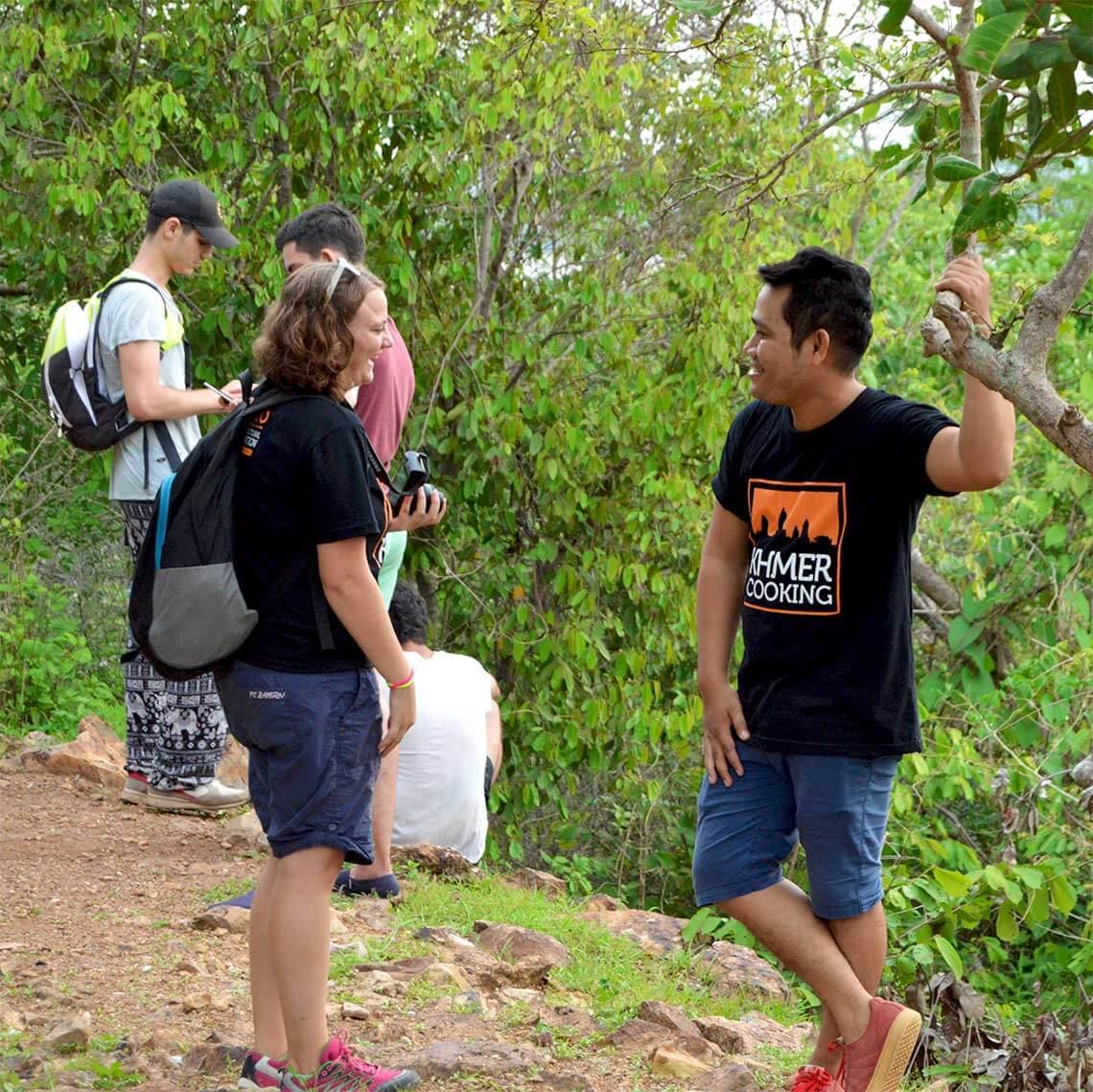 Kim und Vutha oben auf dem Phnom Krom