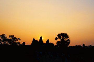 Sonnenaufgang - Äquinoktikum, - Tag- und Nachtgleiche Angkor