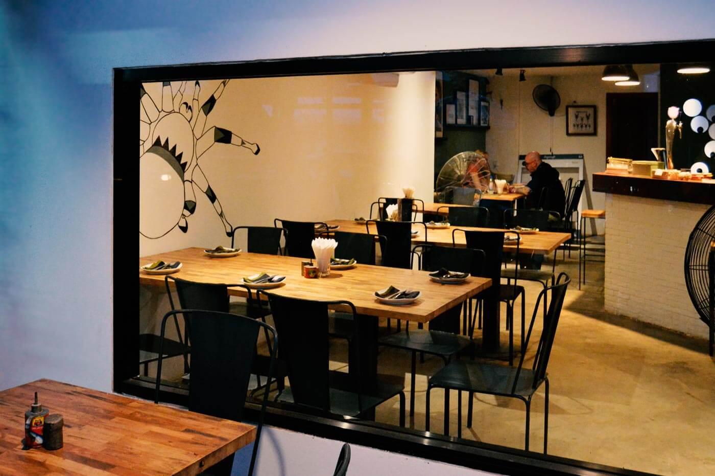 Fenster - Bugs Cafe, Siem Reap