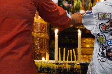 Kerzen für die Ahnen zu Pchum Ben