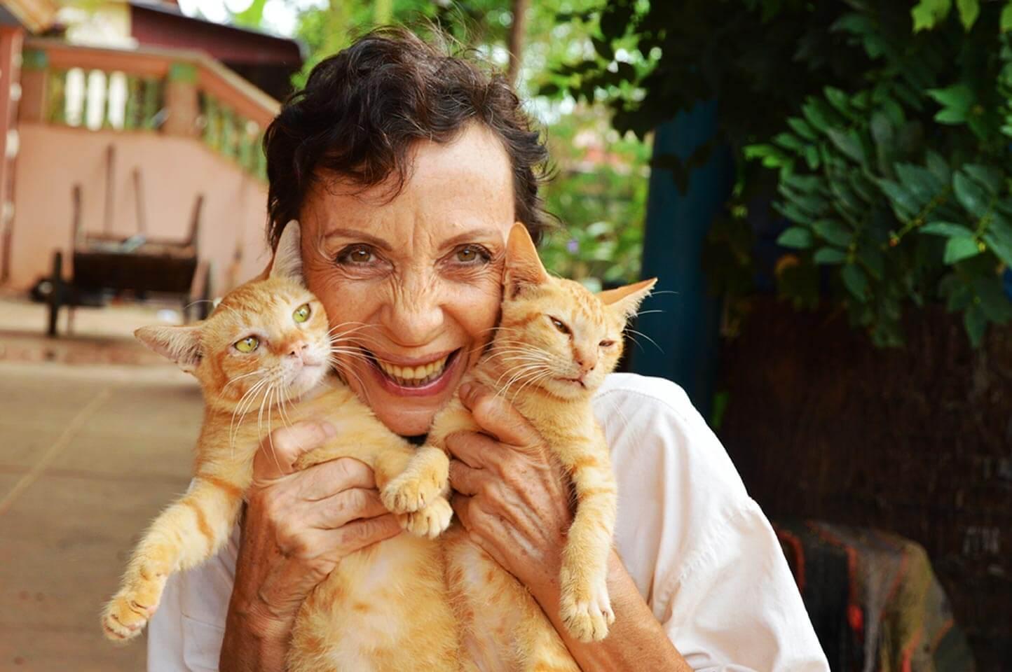 Josette Vanneur - Pagoda Cats, Siem Reap