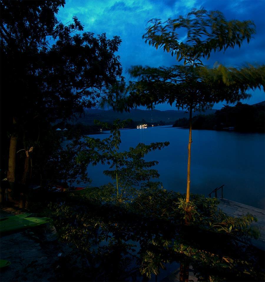 Aussicht Greenhouse Guesthouse bei Nacht - Kampot, Kambodscha