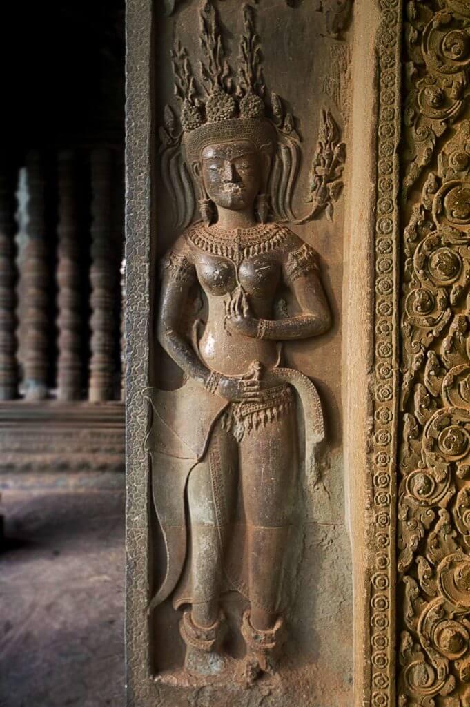 Angkor Wat - Devata, Eckgalerie