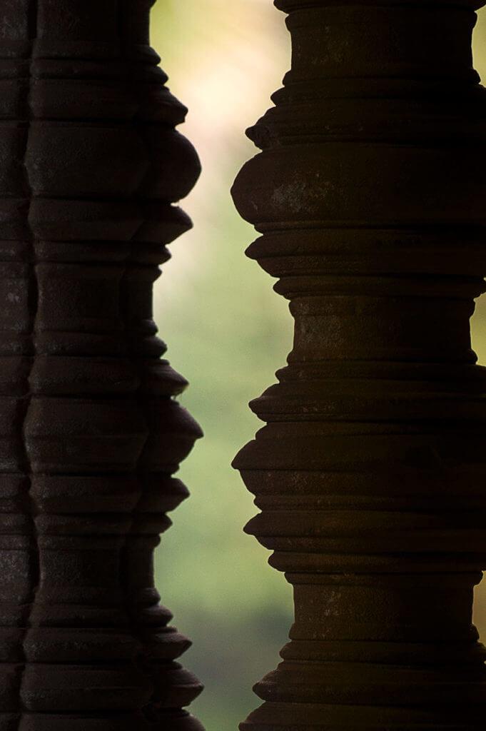 Angkor Wat - Eckgalerie - zwei Säulen