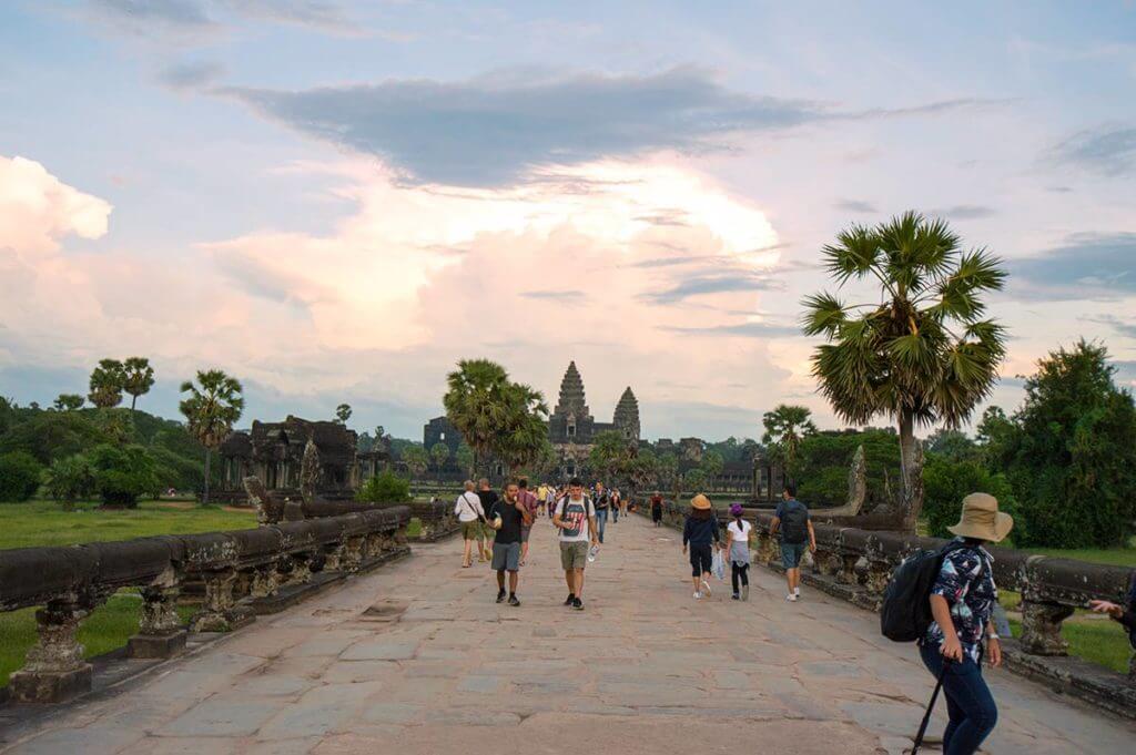 Promenade zum Zentrum von Angkor Wat