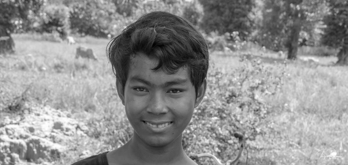 Kambodschanischer Jugendlicher, lächelt - Tour Dani Jump in Siem Reap