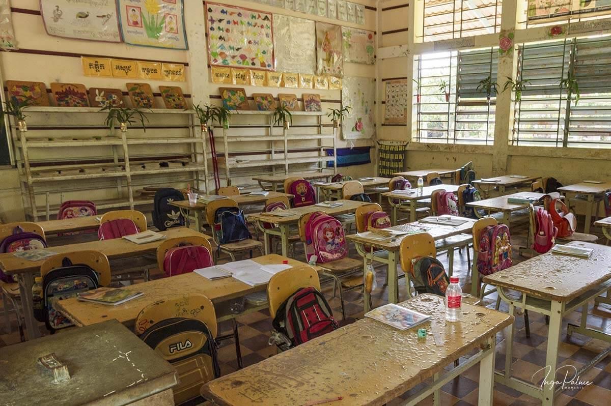 Klassenzimmer an einer Grundschule in Siem Reap, Tour mit Dani Jump