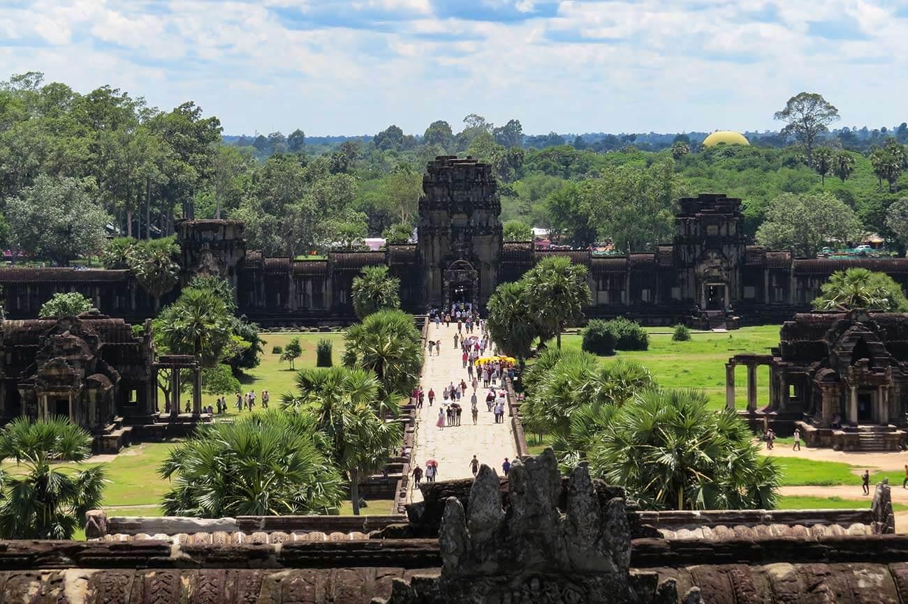 Angkor Wat - Aussicht nach Westen von der obersten Terrasse
