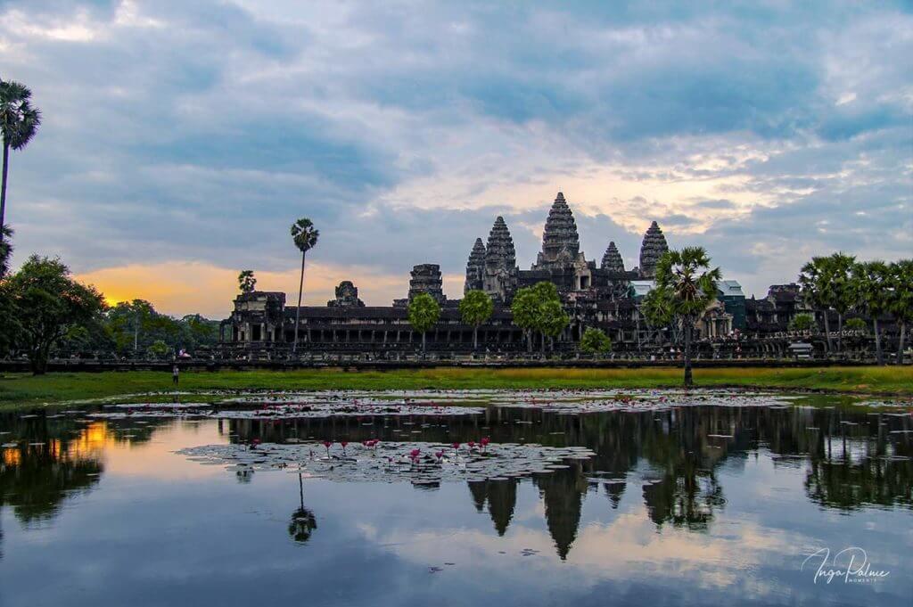 Angkor Wat, Sonnenaufgang am Seerosenteich - 2013