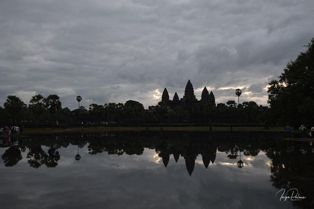 Angkor Wat - Sonnenaufgang, Wasserbecken im Süden - ISO 100, unbearbeitet