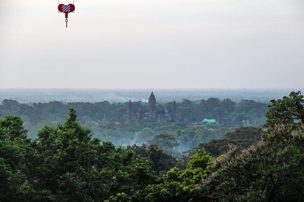 Sicht auf Angkor Wat vom Phnom Bakheng mit Weitwinkel