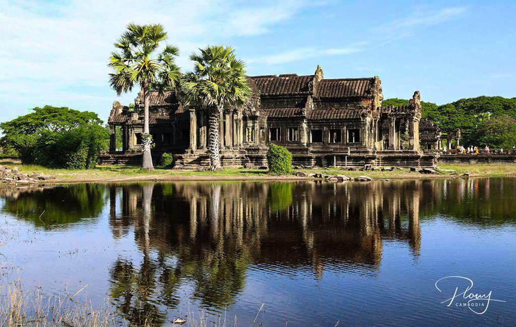 Angkor Wat Architektur - Bibliothek am Wasserbecken