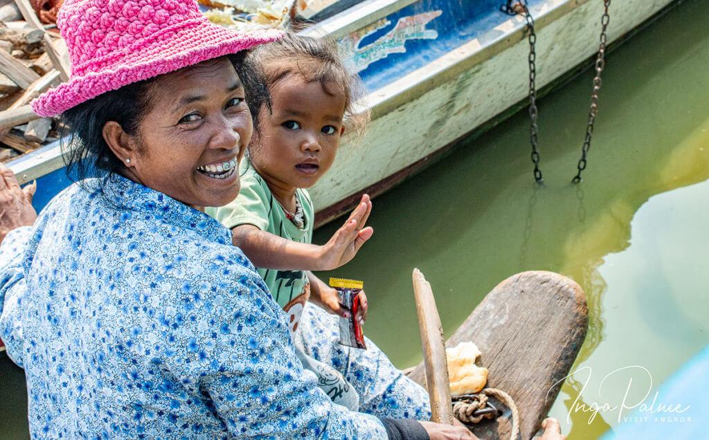 Floating Village - Mutter und Kind Rundreise