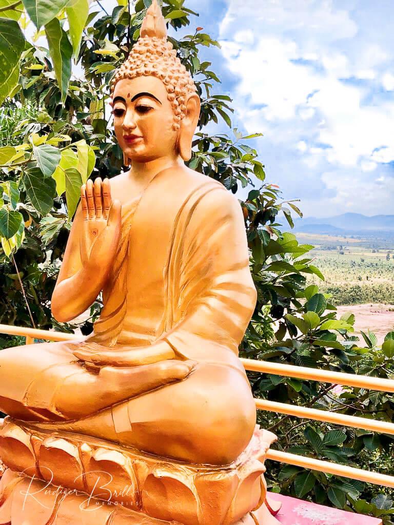 Der Akpheay Mutrea - Buddha Geste