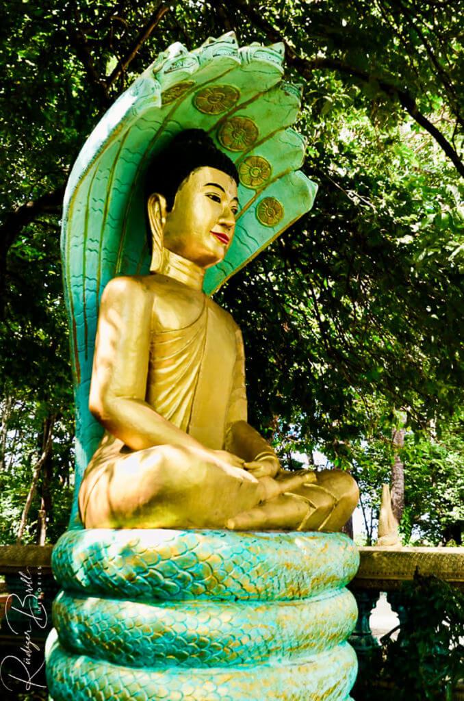 Der Brak Neak Mutrea - Buddha Geste