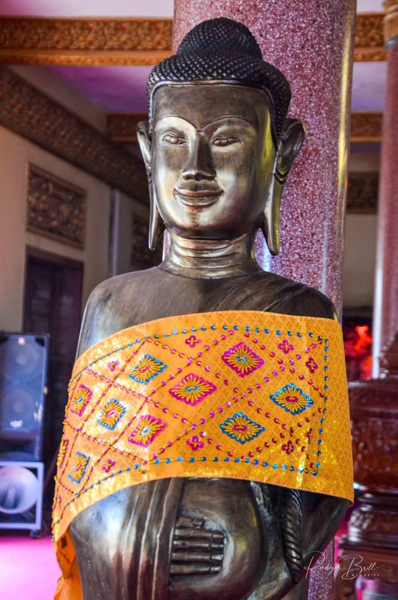 Buddha-Figur im Wat Ounalom