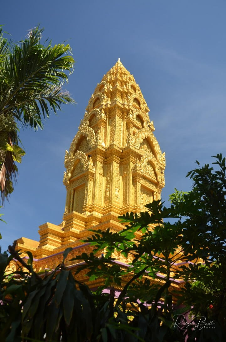 Vergoldung des Turmes Wat Ounalom