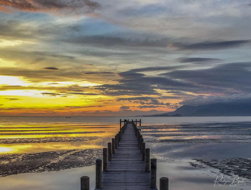 Sonnenuntergang am Meer in Kep, Foto: Rüdiger Brill