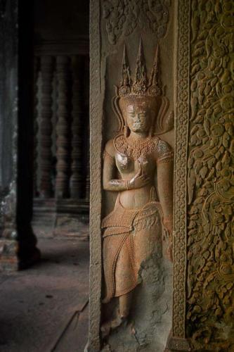 Devata in einer Eckgalerie von Angkor Wat