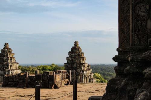phnom-bakheng-ausblick-urwald-tuerme