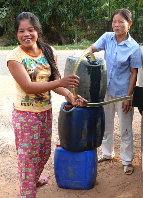How to refuel a bigger car in Cambodia