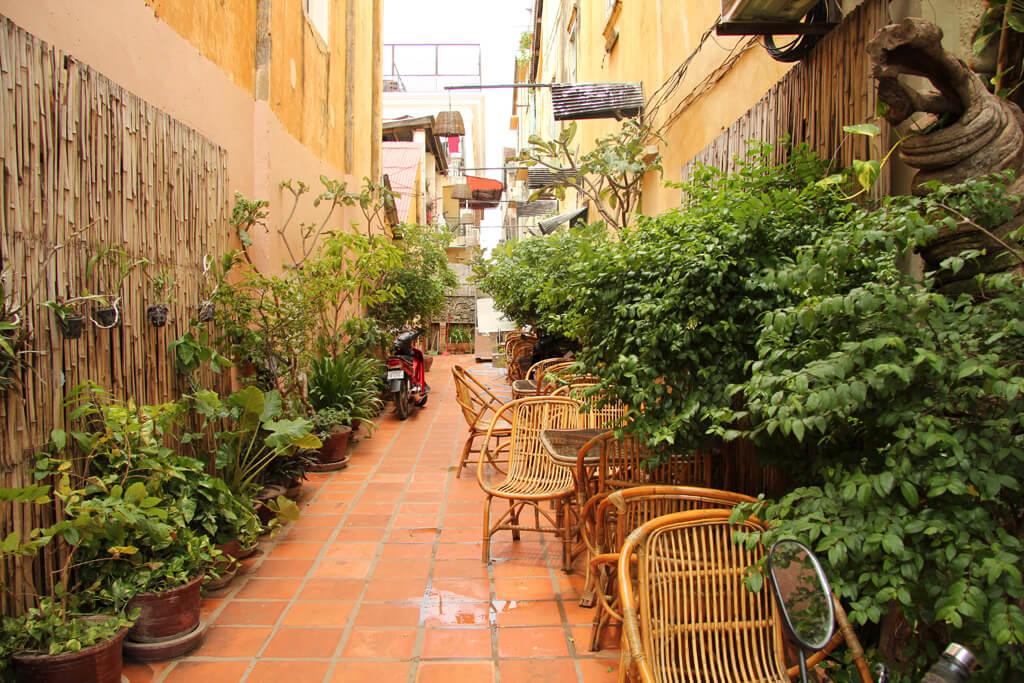 An alley in Siem Reap