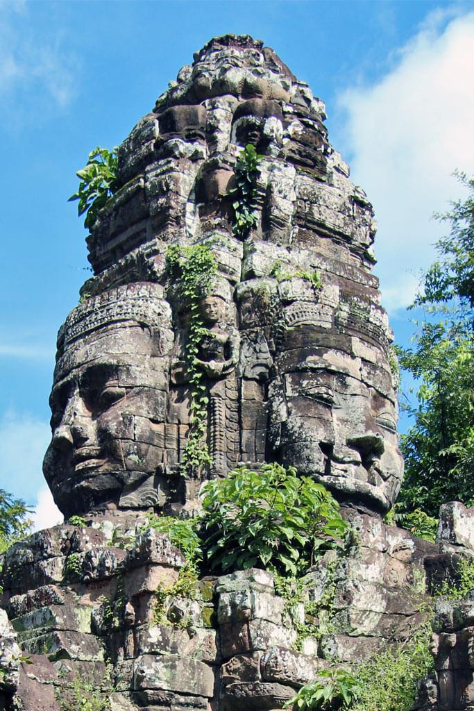 Bayon Temple: The four faces of Bodhisattva Avalokiteshvara - Lokeshvar