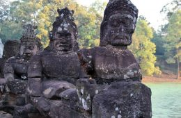 Asura at the east side of Angkor Thom