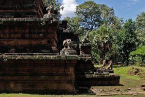 Phimeanakas: The celestial temple at Angkor