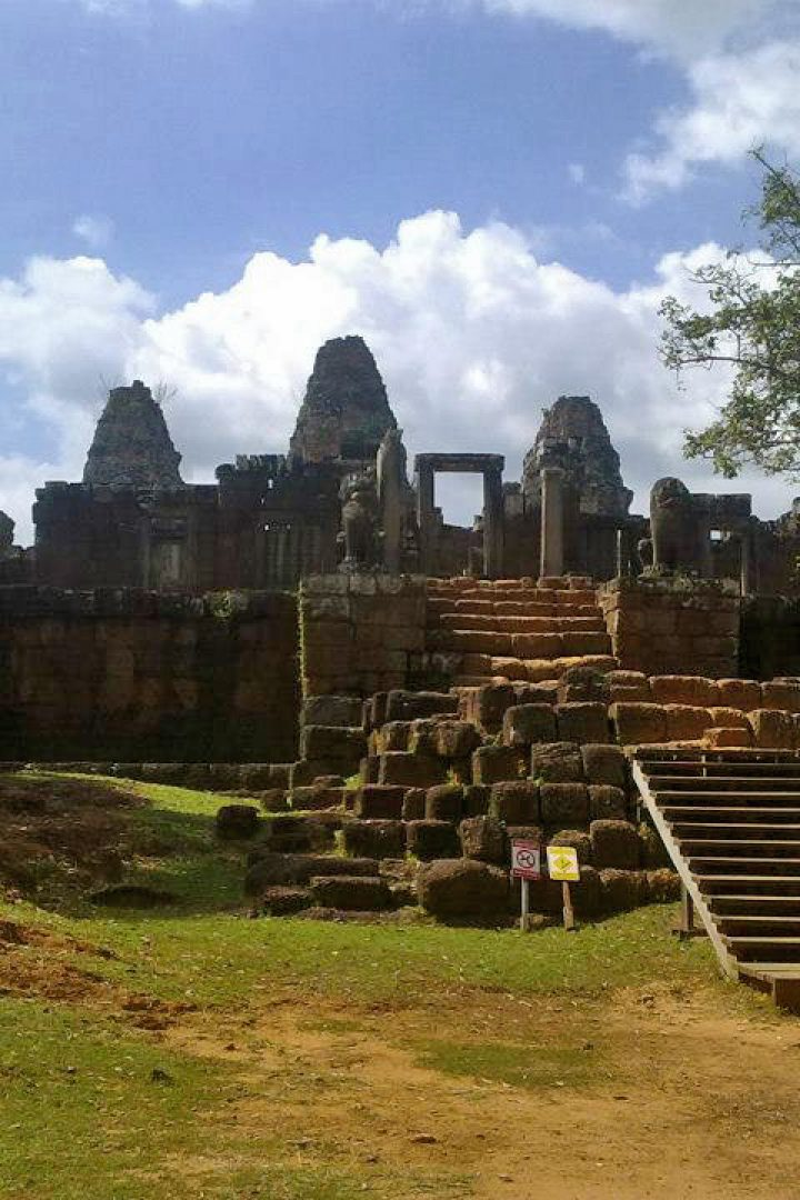 East Mebon – nearby grand circuit at Angkor