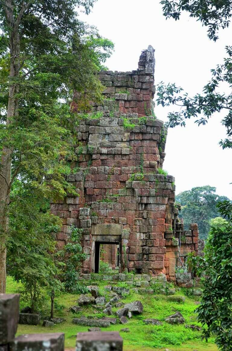 Prasat Suor Prat – Twelve towers in Angkor Thom