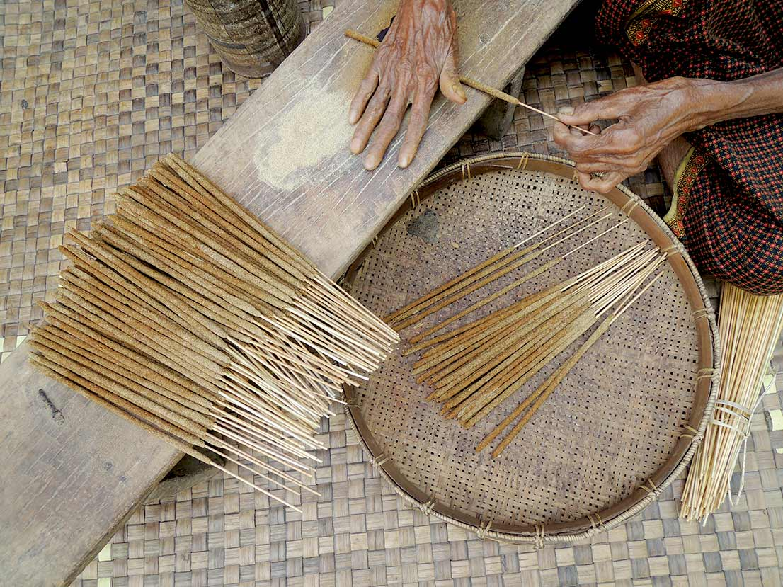 Hand-rolled Incense