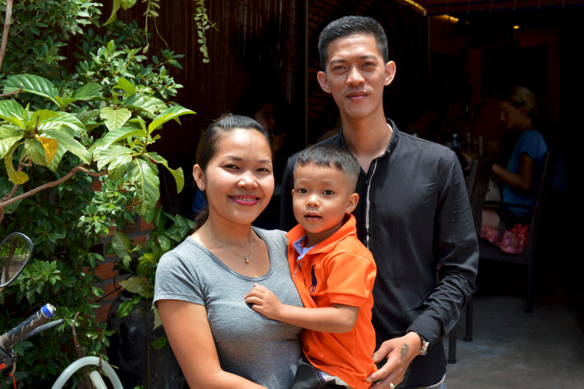 Mama, Papa & Son - Meng Cafe, Siem Reap